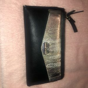 Black and sliver wallet